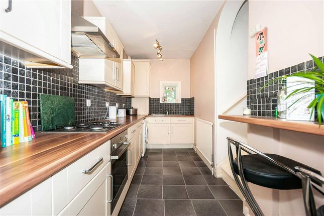 Picture No. 06 of January House, 28 Birdhurst Rise, South Croydon CR2