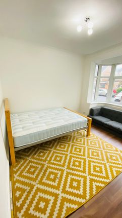 Thumbnail Duplex to rent in South Street, Enfield