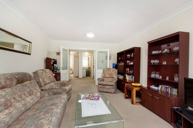 Thumbnail Flat for sale in Duppas Hill Road, Croydon