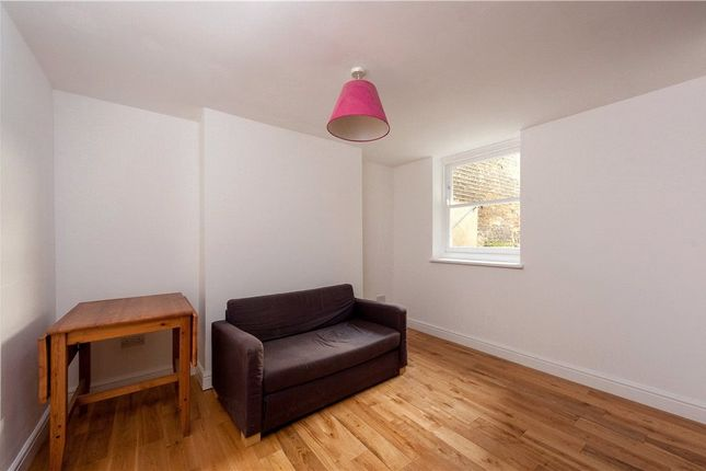 Picture No. 01 of Cephas Avenue, Stepney Green, London E1