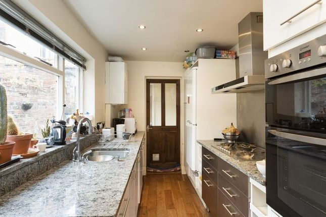 Thumbnail Terraced house for sale in George Street, York