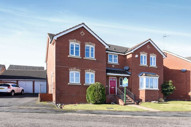 Thumbnail Detached house for sale in Robins Lane, Redditch