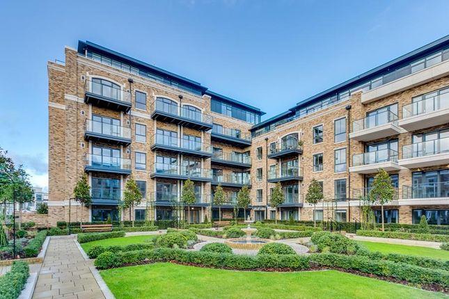 Thumbnail Flat to rent in Palladian Gardens, London