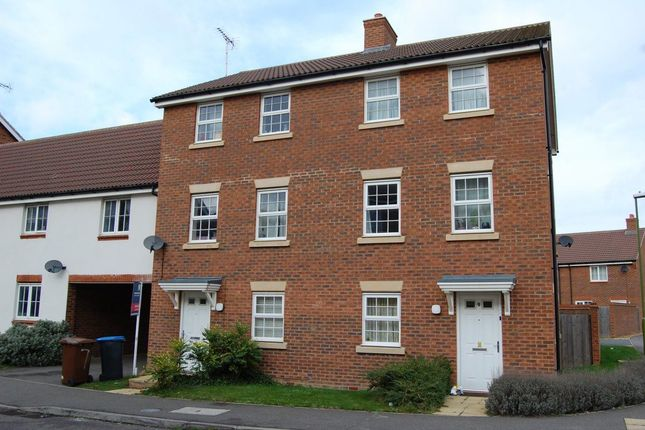 Thumbnail Property to rent in Errington Close, Hatfield