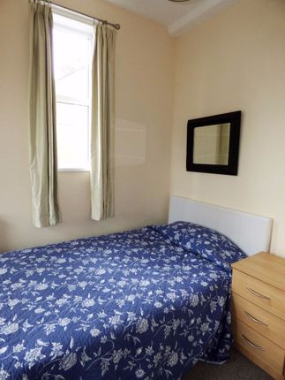 Thumbnail Terraced house to rent in Room 4, Princes Road, Hartshil, Stoke On Trent, Staffordshire