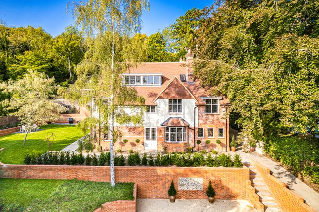 Thumbnail Detached house for sale in Yew Trees, Streatley On Thames