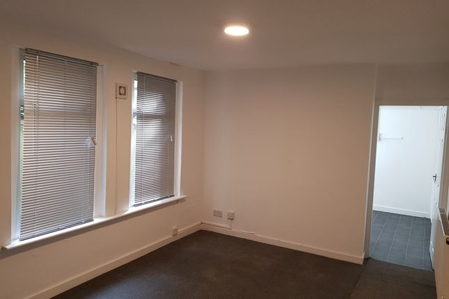 Thumbnail Barn conversion to rent in Claude Road, Cardiff