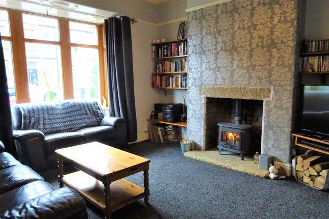 Lounge of Waverley Road, Elland HX5