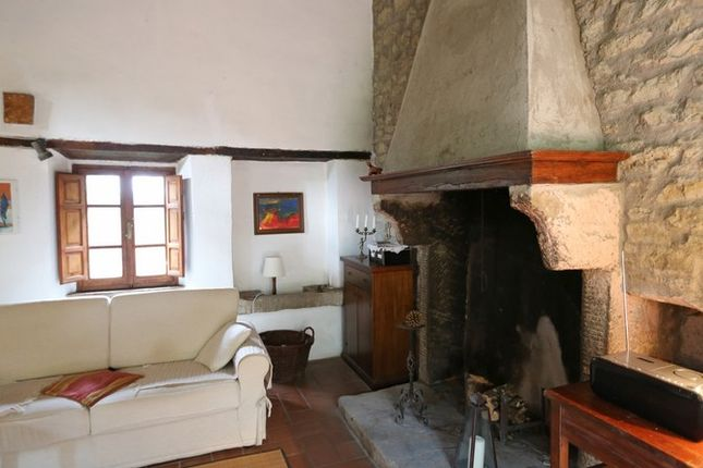 Fireplace of Fondi Di Sopra, Lisciano Niccone, Umbria