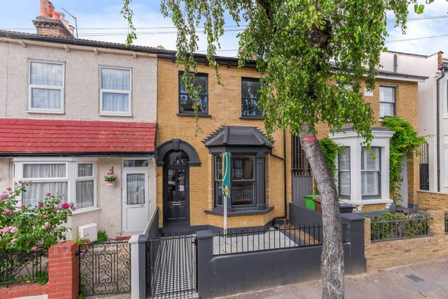 Thumbnail Property for sale in Granville Road, Walthamstow Village, London