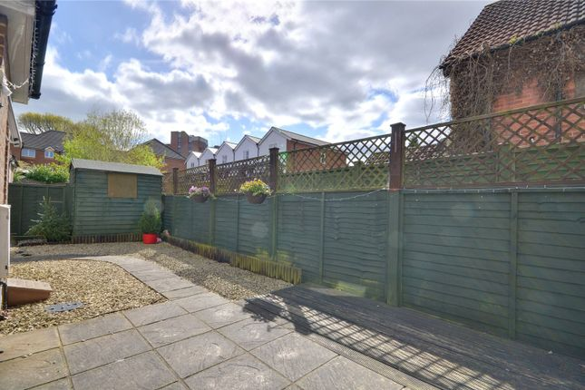 Flat for sale in East Grinstead, West Sussex