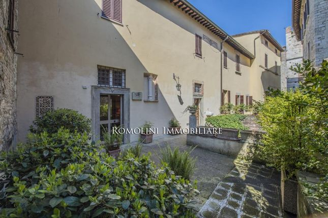 4 bed town house for sale in Todi, Umbria, Italy