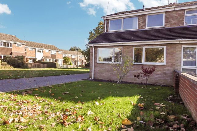3 bed terraced house to rent in Burwell Drive, Witney, Oxfordshire OX28