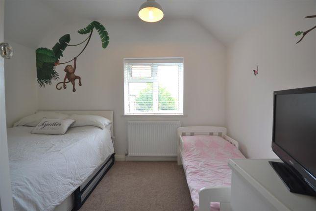 Bed 2 of Hook Road, Epsom KT19