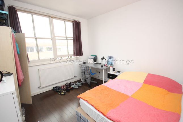 Thumbnail Flat to rent in Treadway Street, Shoreditch
