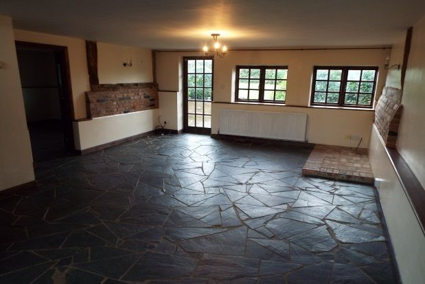 5 bed barn conversion to rent in Throwley, Faversham