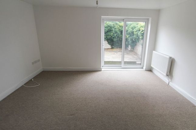 Thumbnail Flat to rent in Arnos Street, Bristol