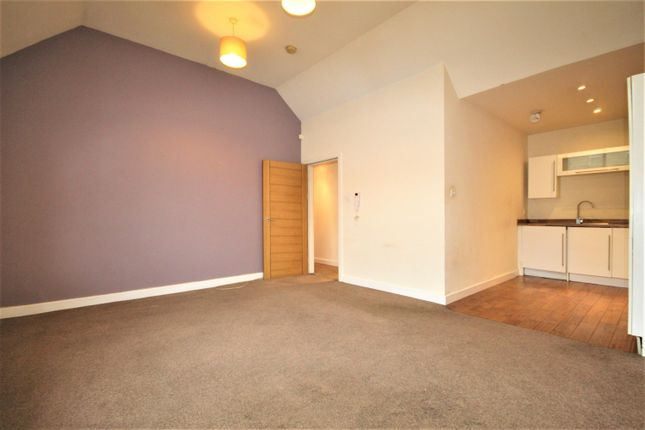 2 bed flat to rent in Market Place, Wetherby LS22