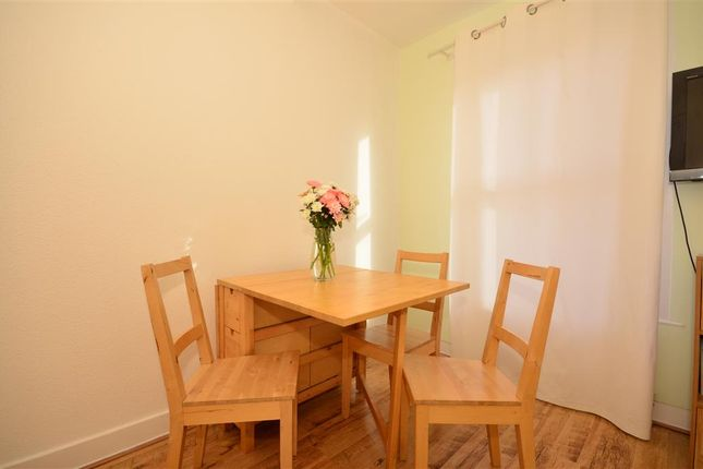 2 bed flat for sale in Cann Hall Road, London