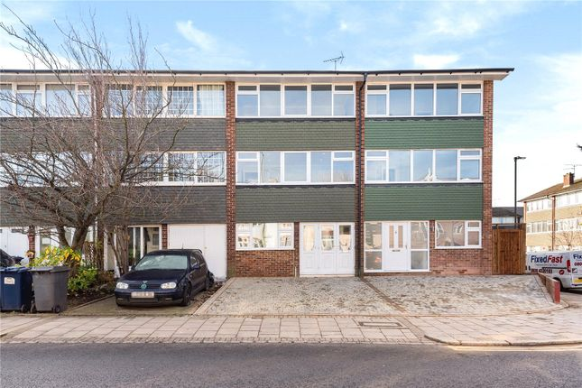 Thumbnail Terraced house for sale in Brookhill Road, Barnet
