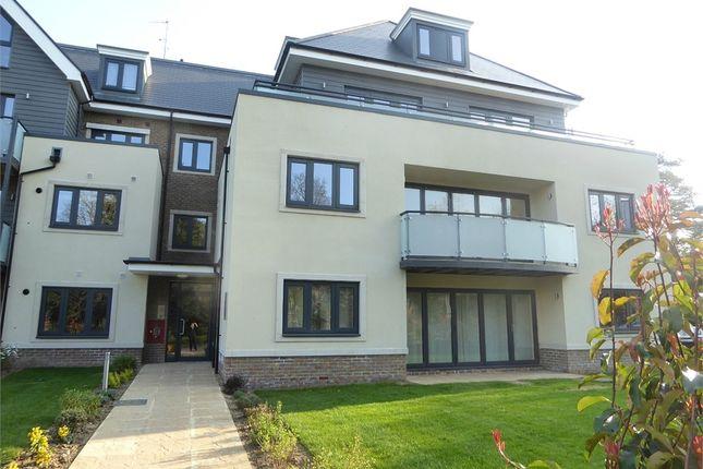Thumbnail Flat to rent in Institute Road, Taplow, Maidenhead, Buckinghamshire