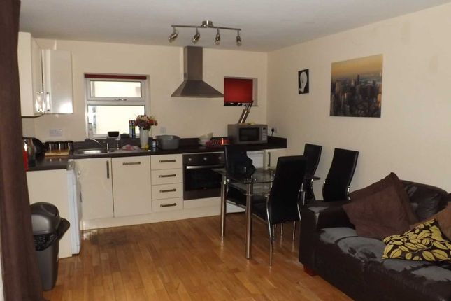 Thumbnail Flat to rent in High Street, Rhosneigr