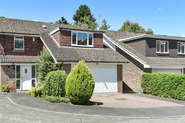 Thumbnail Detached house to rent in Wooden Hill, Bracknell