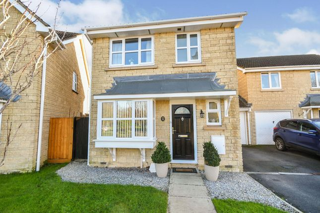 3 bed property to rent in Sutherland Crescent, Chippenham SN14