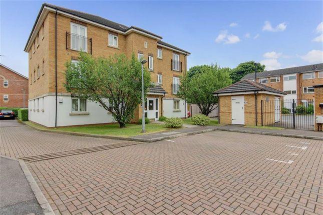 Thumbnail Flat for sale in Woodville Court, Oakwood, London