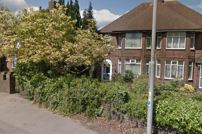 Thumbnail Detached house to rent in Dunstable Road, Luton