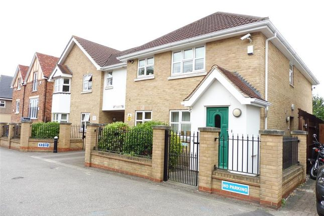 Thumbnail Maisonette to rent in Rayleigh Road, Hutton, Brentwood