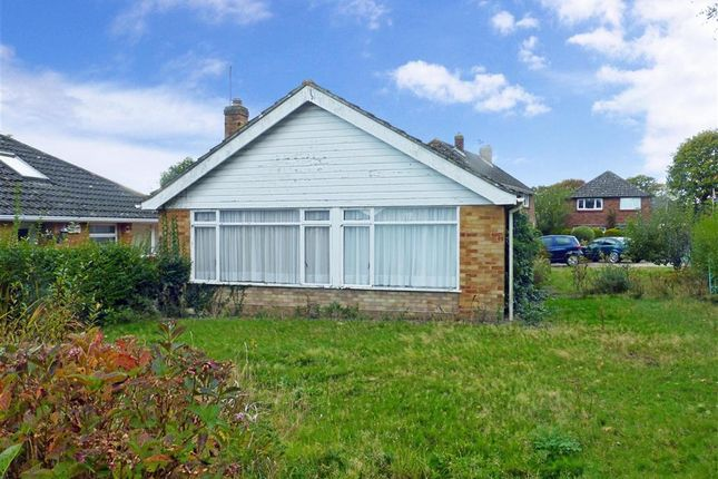 2 bed bungalow for sale in Waterloo Close, Waterlooville, Hampshire