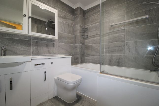 Thumbnail Flat to rent in Glenmere Row, Lee, Lewisham
