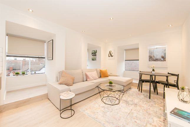 Thumbnail Flat for sale in Cromwell Square, Ipswich