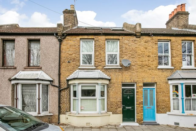 3 bed property for sale in Robson Road, West Norwood, London SE27