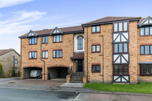 Thumbnail Flat for sale in Lakeside Chase, Rawdon, Leeds