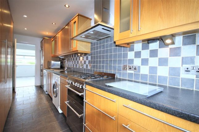 Thumbnail Terraced house to rent in Stockey End, Abingdon
