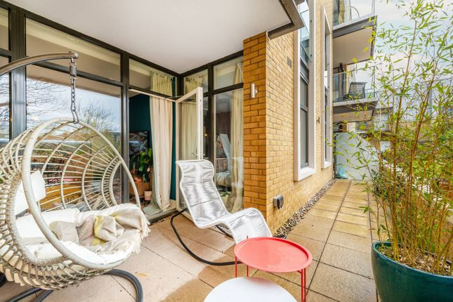 Thumbnail Flat for sale in Frazer Nash Close, Isleworth