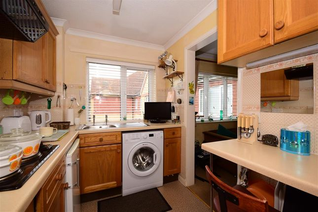 Thumbnail Flat for sale in Cambridge Park, London
