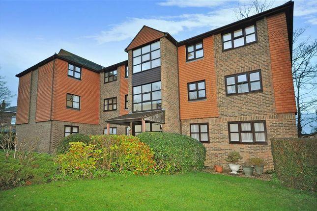 Thumbnail Flat for sale in Springwell Road, Tonbridge, Kent