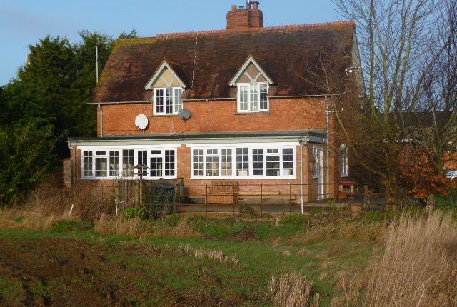 Thumbnail Semi-detached house to rent in Buckland, Faringdon