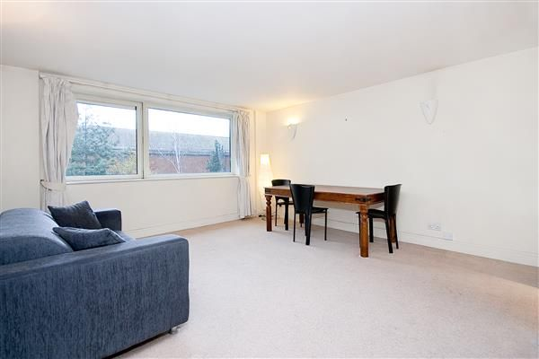 2 bed flat for sale in Buckingham Palace Road, Belgravia