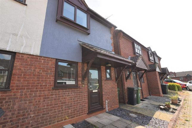2 bed property to rent in Larkspur Road, Broomhall, Worcester WR5