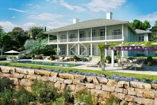 Thumbnail Villa for sale in Spain, Andalucía, Costa Del Sol, Marbella, Estepona, Mrb8619