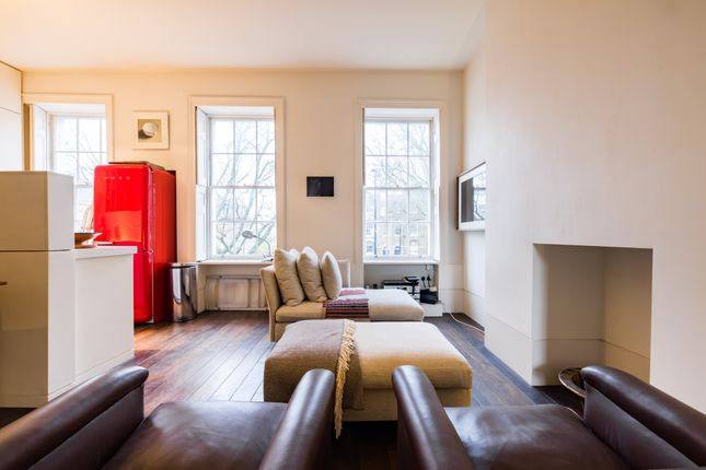 Serviced town house to rent in Kennington Park Place, London SE11