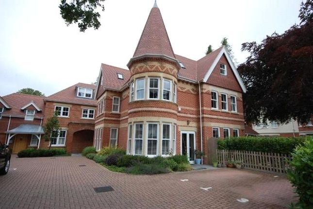 3 bed flat for sale in Pinewood Road, Westbourne, Bournemouth BH13