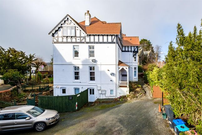 Thumbnail Flat for sale in Spa Road, Llandrindod Wells