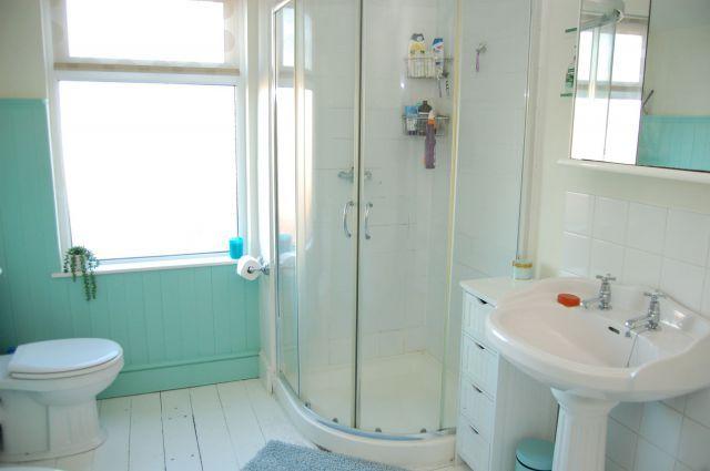 Bathroom of Clarke Road, Abington, Northampton NN1