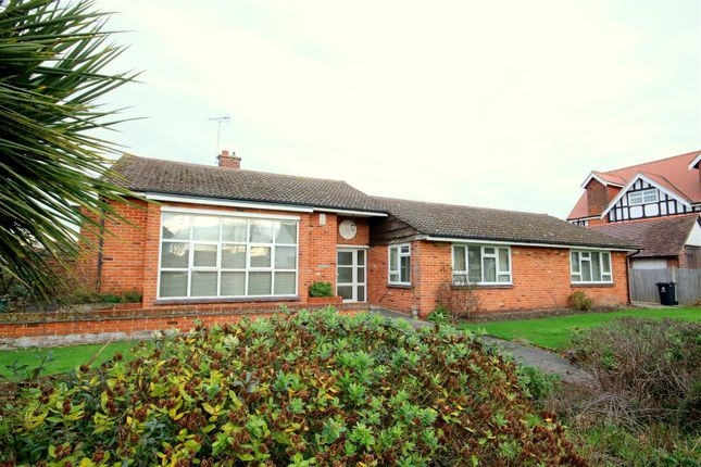 Thumbnail Detached bungalow to rent in Holland Road, Frinton-On-Sea