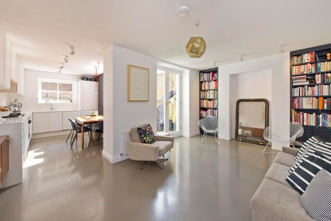 1 bed flat for sale in Westbourne Gardens, Notting Hill